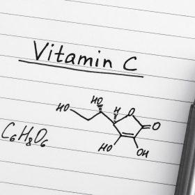 kwas L-askorbinowy
